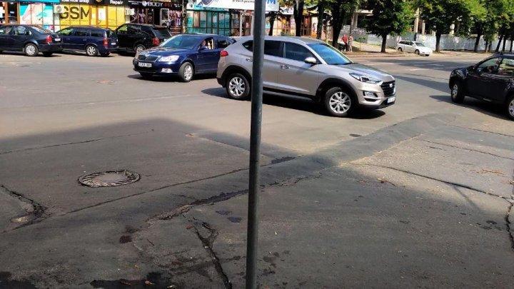 Promisiunile deşarte înfloresc la Primăria Chişinău. Limitatorul de viteză, instalat ilegal la Botanica, stă neclintit