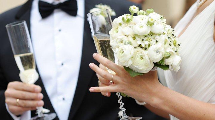 Nuntă transformată în tragedie. A devenit focar de COVID, cu 7 persoane decedate și 177 de infectați
