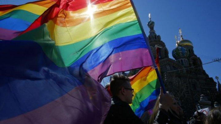 Căsătoriile între persoanele de acelaşi sex vor fi interzise în Rusia