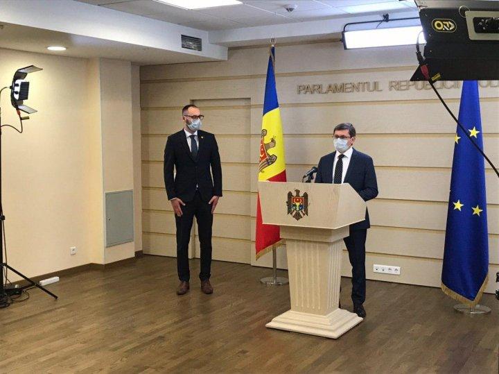 PAS, Platforma DA şi PRO MOLDOVA au BOICOTAT şi şedinţa de astăzi a Parlamentului