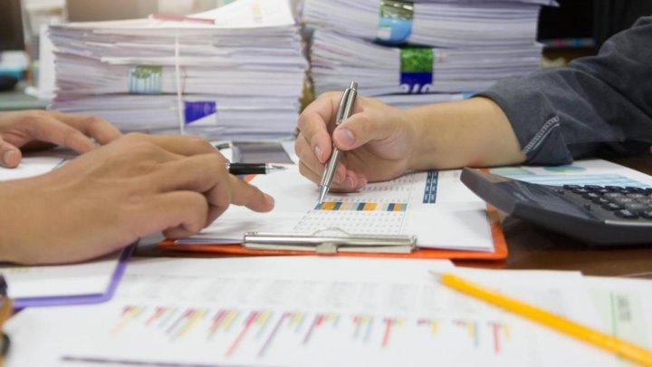 Termenul de plată a ajutorului de şomaj a fost extins până la 30 noiembrie
