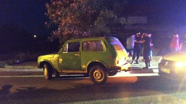 Un şofer beat a accidentat doi adolescenţi şi a părăsit locul faptei