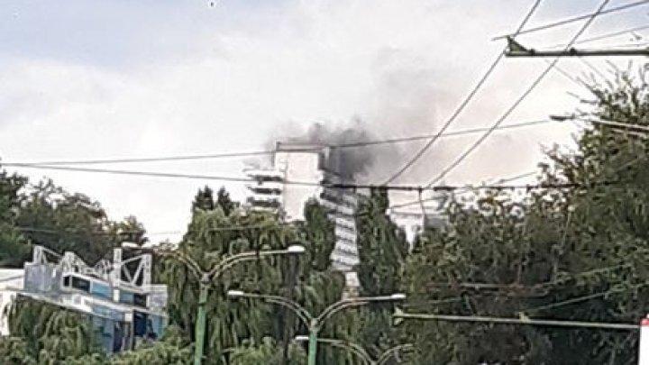 Incendiu în centrul Capitalei. Arde hotelul Național(FOTO/VIDEO)