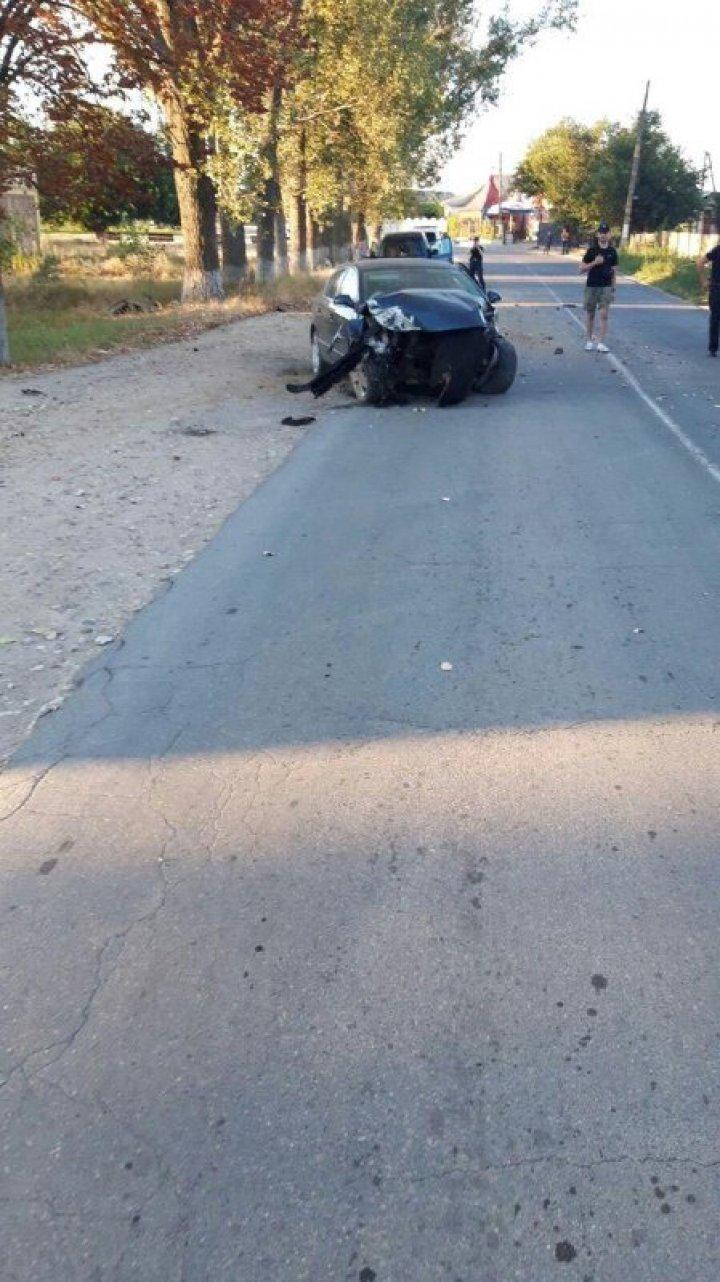 Accident violent în localitatea Vadul lui Isac. Două persoane au fost rănite (FOTO)