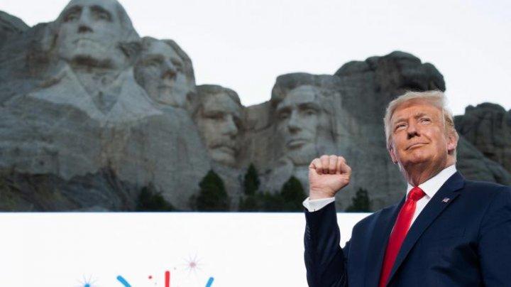 Donald Trump ar fi cerut să îi fie sculptat chipul în Muntele Rushmore