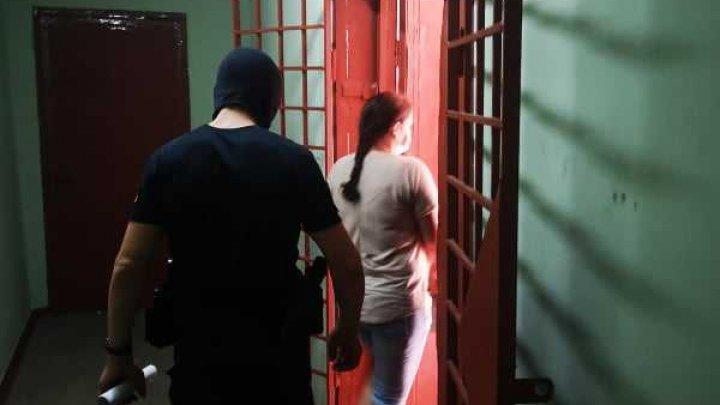 Medicii reţinuţi în dosarele gradelor de dizabilitate au primit mandate de arestare