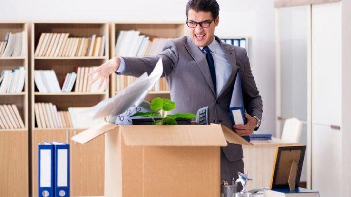 Concedieri masive la Booking.com. Compania disponibilizează peste 4 mii de salariaţi
