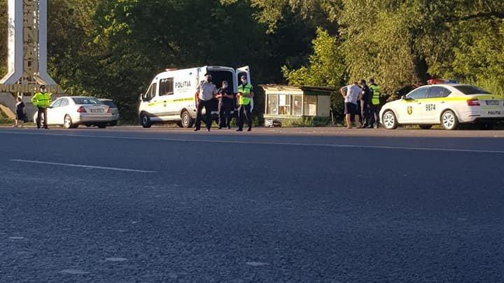 Filtre ale poliției la intrarea în Chișinău. 42 de șoferi, AMENDAȚI în doar trei ore (FOTO)