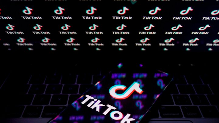 TikTok reacţionează după ce Instagram a copiat aplicaţia şi a lansat Reels