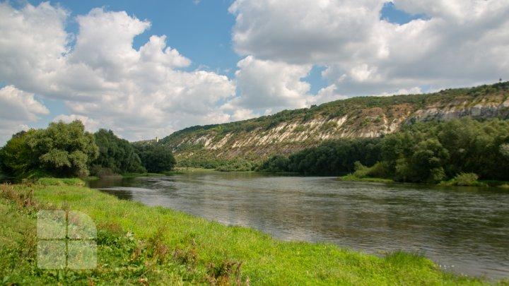 Peisaje de poveste în cel mai nordic punct al țării. Naslavcea, în luna august (FOTOREPORT)