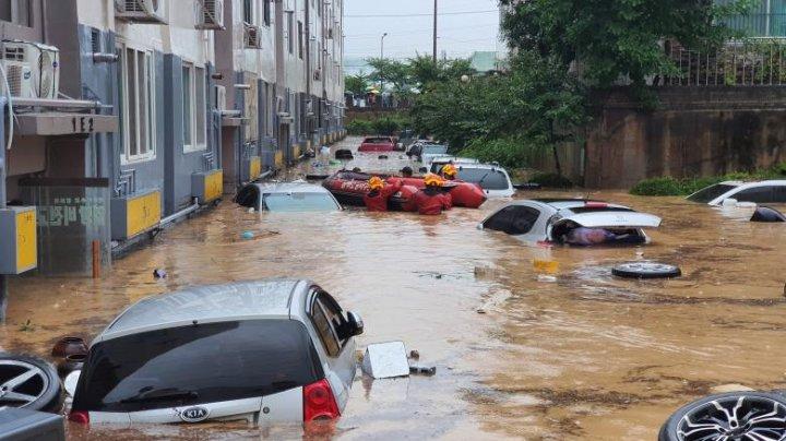 43 de zile consecutive de ploaie în Coreea de Sud. 15 oameni au murit