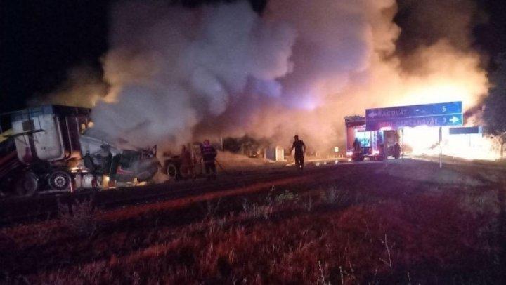 FILMUL ACCIDENTULUI CUMPLIT de pe șoseaua Chişinău-Soroca. Ce spun martorii și precizările poliției