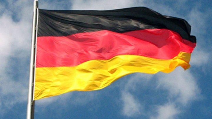 Germania: Manifestații împotriva restricţiilor anti COVID-19. Protestatarii acuză încălcarea unor articole din Constituție