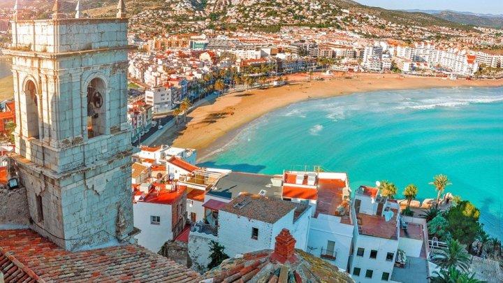 Spania va primi turiștii stărini cu certificate Covid de la 1 iunie