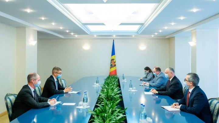 Moldova ar putea încheia cu Marea Britanie un Acord de Parteneriat Politic și Comerț