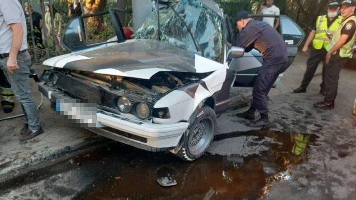 Femeia de 30 de ani, implicată în teribilul accident cu implicarea unui BMW, SE AFLĂ ÎN COMĂ