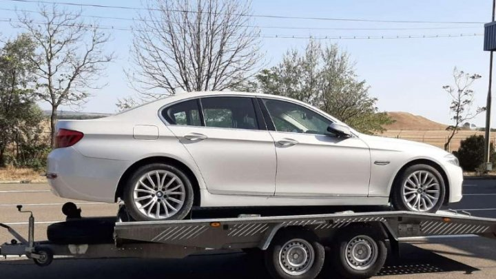 A fost deconspirat. Un moldovean transporta un BMW furat din Italia