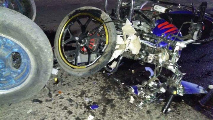 ACCIDENT DE GROAZĂ la Ștefan Vodă. Un șofer beat a băgat o tânără în mormânt, iar un motociclist a fost spitalizat (FOTO)