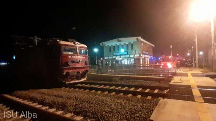România: Incendiu la locomotiva unui tren cu 100 de pasageri