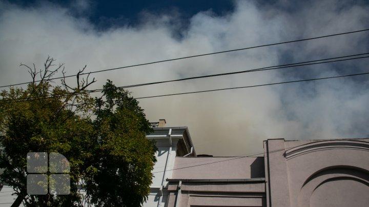 Incendiul devastator de la Filarmonica Naţională, ÎN IMAGINI