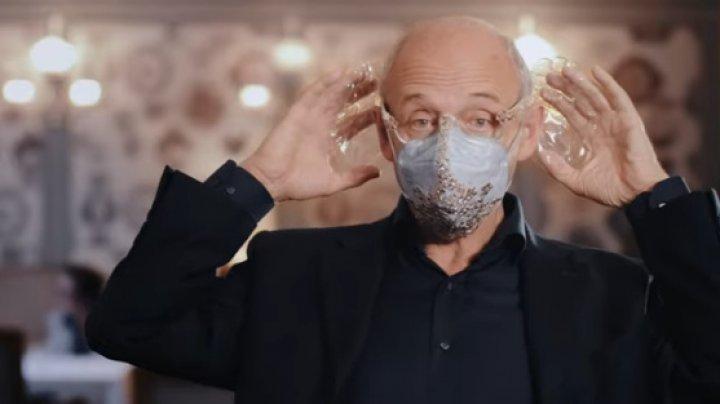 Mască pentru îmbunătățirea acusticii, inventată de un dirijor din Ungaria (VIDEO)