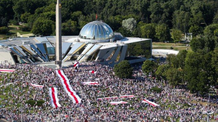 Președinții României, Poloniei și Lituaniei se oferă să ajute cetățenii din Belarus