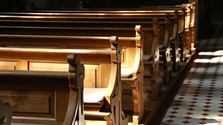 Biserica Catolică germană a stabilit câți bani vor primi minorii abuzați sexual de membrii clerului