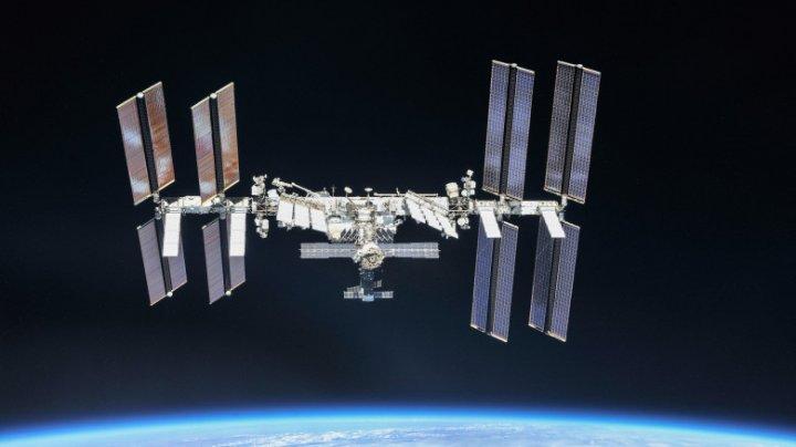 Cosmonauţii ruşi nu vor să se vaccineze cu Sputnik-V împotriva COVID-19. Care este motivul