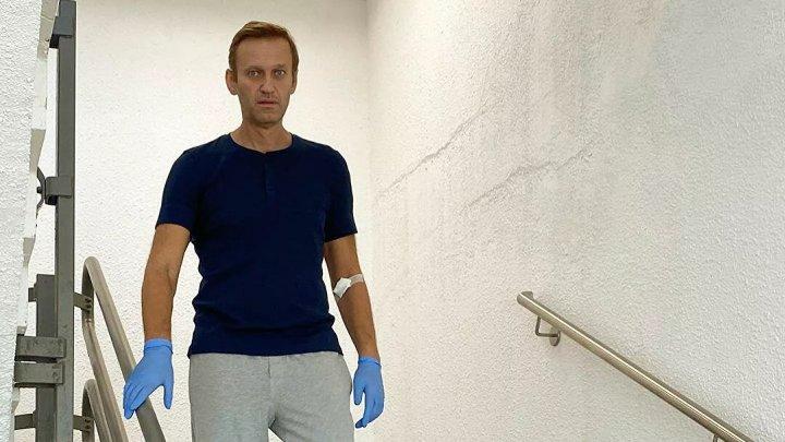 Reacția Kremlinului la externarea lui Navalnîi: E minunat dacă se însănătoșește. Nu există obstacole pentru revenirea lui în Rusia