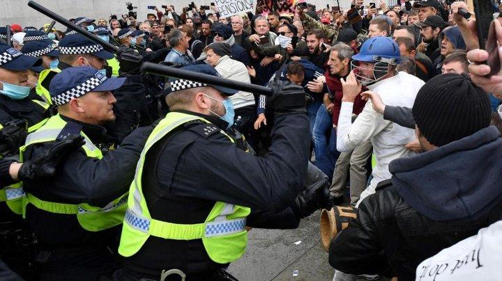 Proteste violente la Londra împotriva măsurilor anti-COVID-19