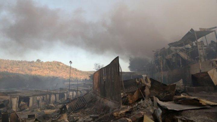 Un nou incendiu la cea mai mare tabără de migranți din Grecia