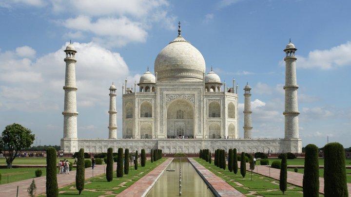 Taj Mahal se va redeschide în ciuda creşterii numărului de cazuri de COVID-19 în India