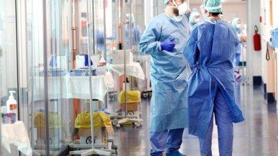 Din cauza numărul mare de cazuri COVID-19, spitalele din Olanda vor transfera pacienți în Germania