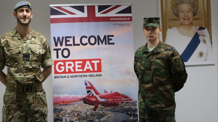 Un tânăr militar al Armatei Naționale, admis la Colegiul Forțelor Aeriene Regale Britanice Cranwell