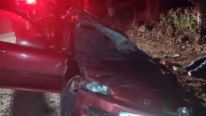 Accident cumplit în raionul Criuleni. Un tânăr de 26 de ani a murit, după ce mașina în care se afla s-a răsturnat