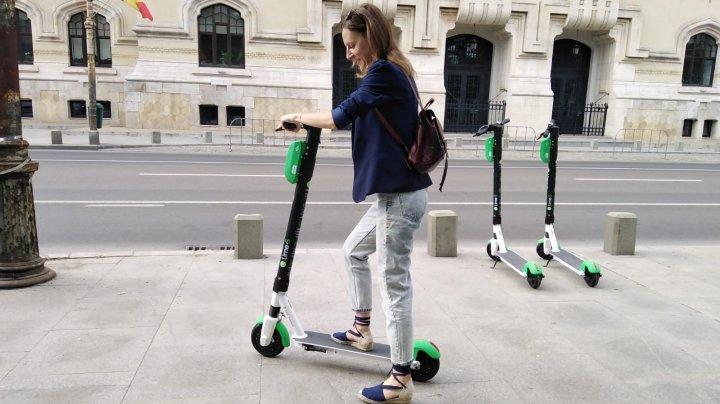 Un nou tip de transport public în Capitală. Trotinetele electrice vor putea fi luate în chirie
