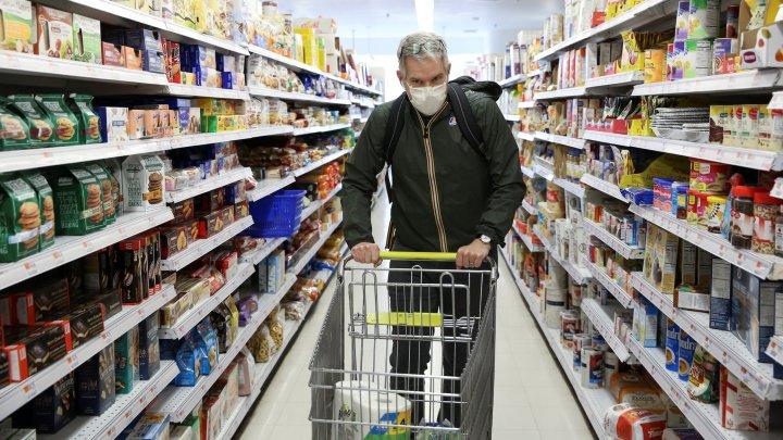 Americanii își fac din nou stocuri de produse alimentare, de teama unui nou lockdown