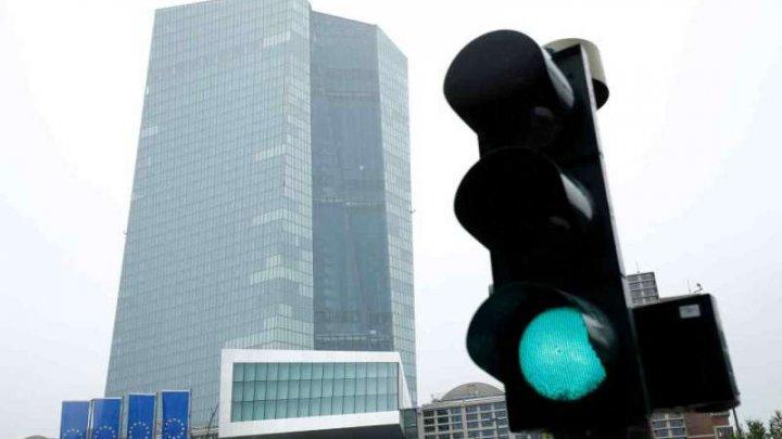 Banca Centrală Europeană: Băncile au înăsprit accesul la creditare din cauza temerilor legate de pandemie