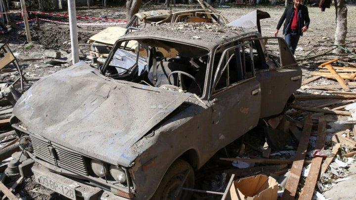 Capitala enclavei Nagorno-Karabah, bombardată din nou