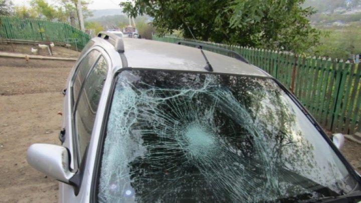 A urcat beat la volan, a accidentat un pieton și a fugit de la locul faptei. Indiferența unui șofer din Fălești a luat viața unui bărbat (VIDEO)