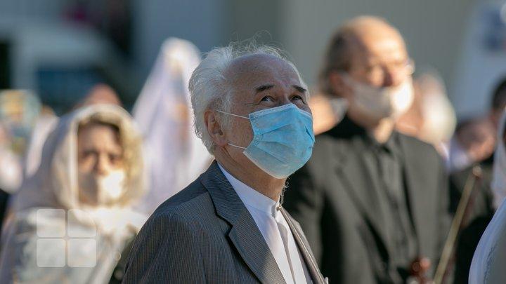 Hramul Oraşului pe timp de pandemie de coronavirus: liturghie, expoziţii, târguri şi concerte (FOTOREPORT)
