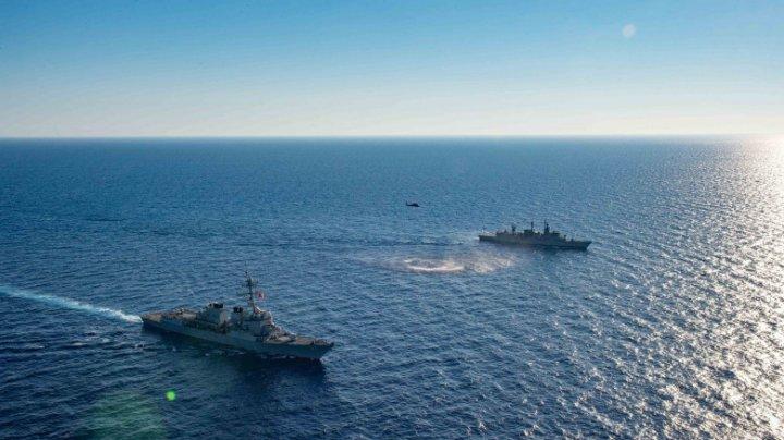 O navă militară americană a intervenit pentru a ajuta un vas iranian aflat în dificultate
