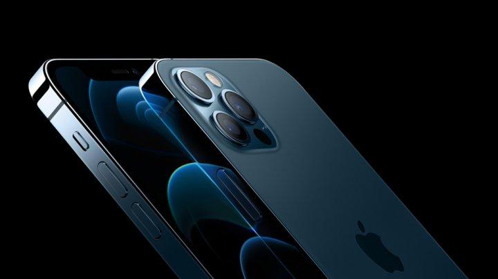 O țară din Europa obligă Apple să ofere căști în pachetul iPhone 12