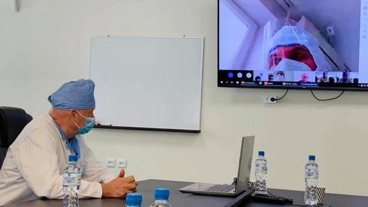Cazurile grave de COVID-19 vor fi coordonate de specialiști din cadrul secțiilor de terapie intensivă prin intermediul unei platforme online