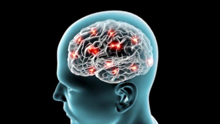 STUDIU: Creierul uman ar putea îmbătrâni cu 10 ani din cauza coronavirusului