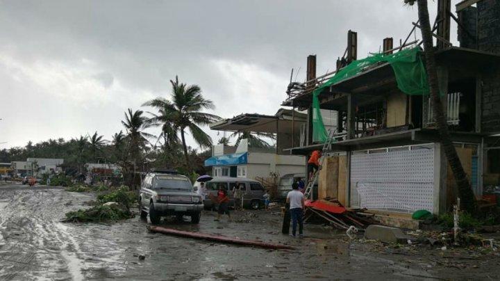Filipine: Mii de oameni evacuaţi, în aşteptarea celui mai puternic taifun din 2020