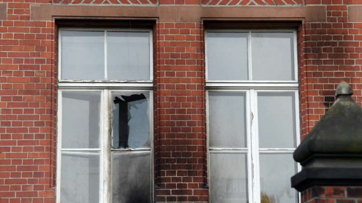 Sediu al Institutului care monitorizează evoluţia epidemiei de COVID-19 din Germania, atacat cu sticle incendiare