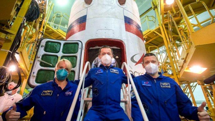 O capsulă Soyuz a andocat cu succes la Stația Spațială Internațională