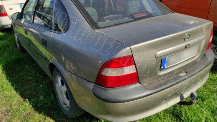 Un moldovean prins cu un automobil cu acte expirate. Ce riscă acesta