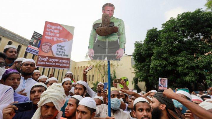 Protest cu 40.000 de oameni în Bangladesh împotriva președintelui francez